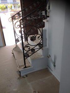 Παραδοσιακά κάγκελα σιδήρου εσωτερικής σκάλας
